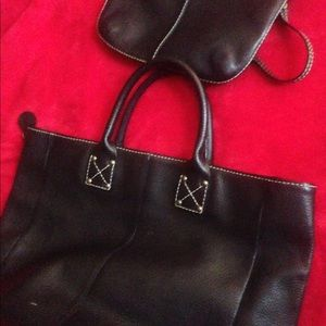Gap leather tote/wallet all black.